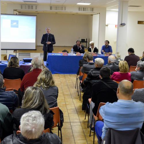 France, Hérault (34), Frontignan, Salle Bouvier Daunat, réunion publique sur le futur quartier des Lierles